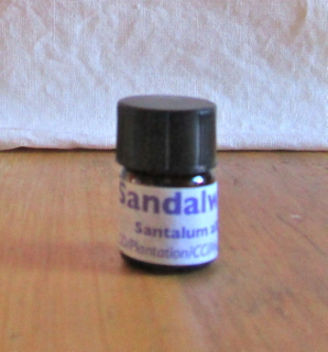 sandalwood indian essential oil 3